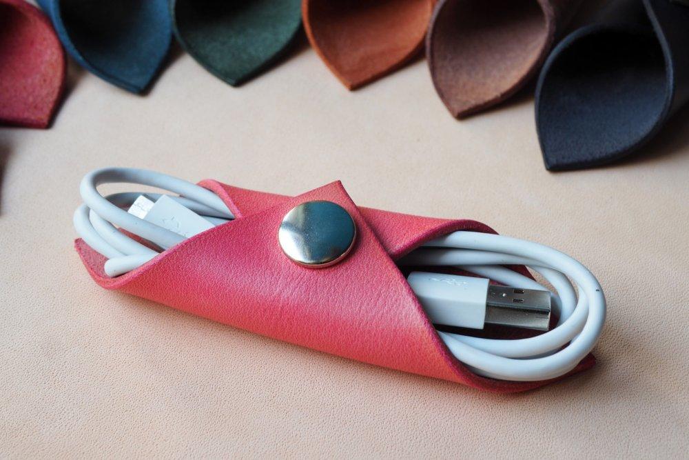 Kožený obal na sluchátka WRAP (výběr 22 barev) 1-přírodní
